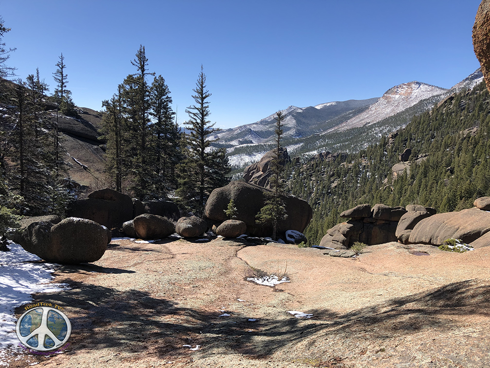 As you climb on to the dome the views across Lost Creek Wilderness become Spectacular