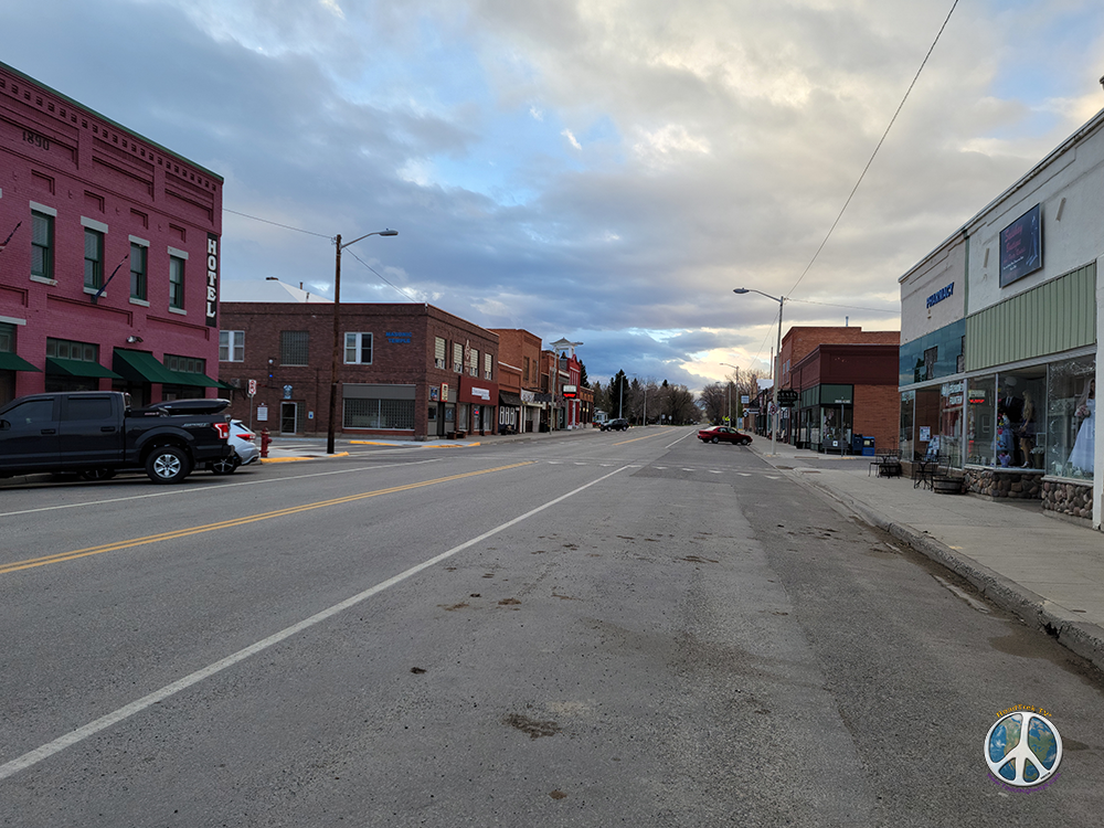 Looking down main street from US-191 in Drive by US-191 Similitude-3